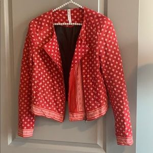 Red white soft quilted blazer